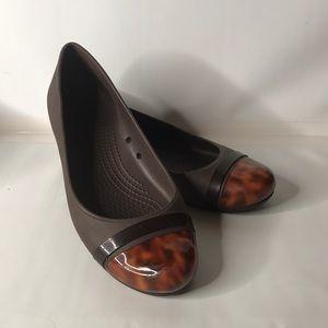 Crocs ballet brown flats tortoise Shell cap toe 8W